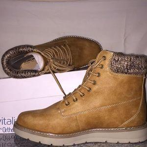 Suede boots NIB